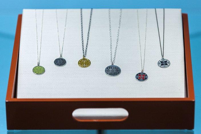01-110915_Jewelry_Carroll.jpg