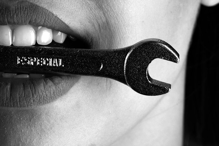 01102019_mouth_wrench_bw