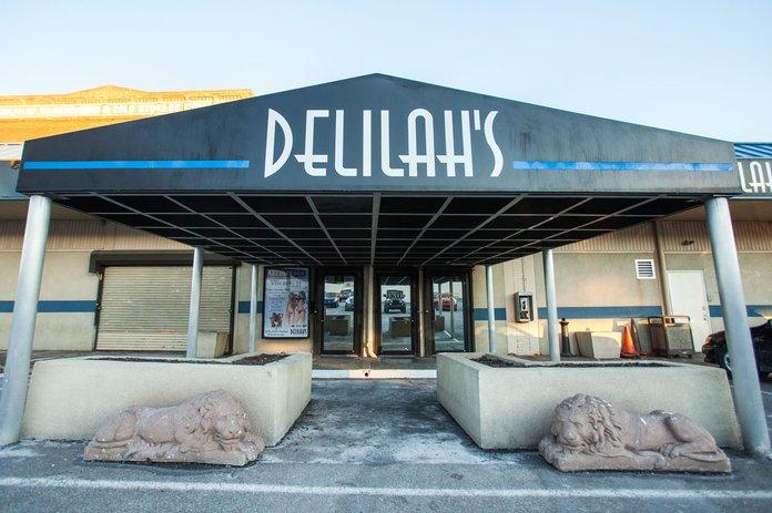 club delilahs strip