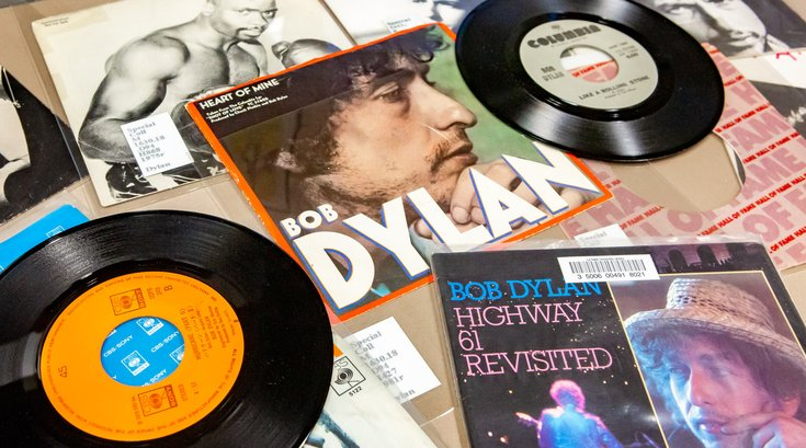 Carroll -  The Life and Times of Bob Dylan Collection at La Salle University