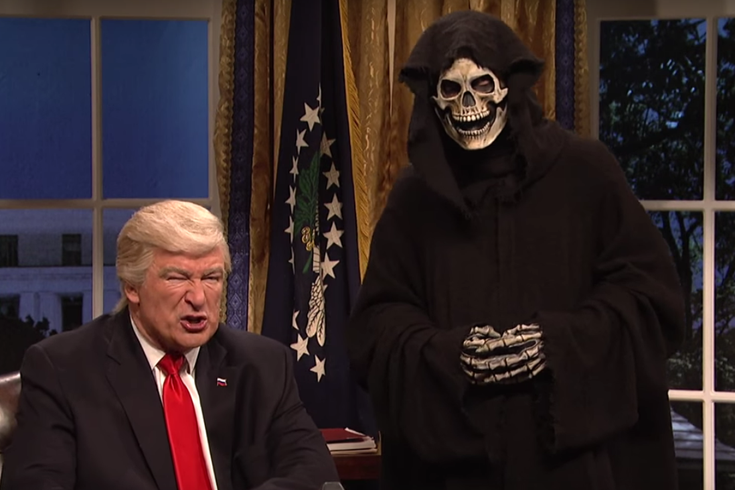 Watch snl skewers donald trumps diplomatic phone calls sean 020517deathtrump m4hsunfo