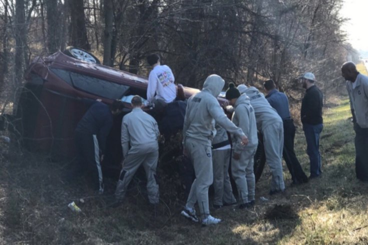 Georgetown men's basketball team bus involved in crash en route to