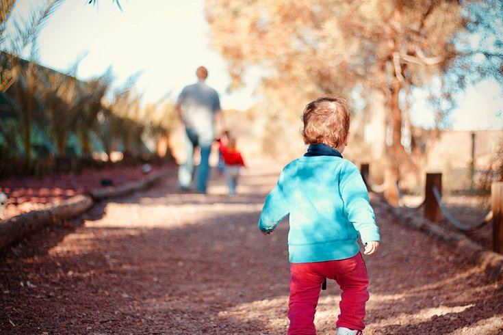 02192018_toddler_walking_Unsplash