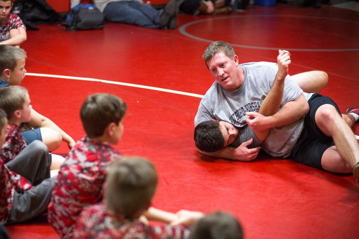 Einstein orthopedic surgeon goes to the mat for young athletes