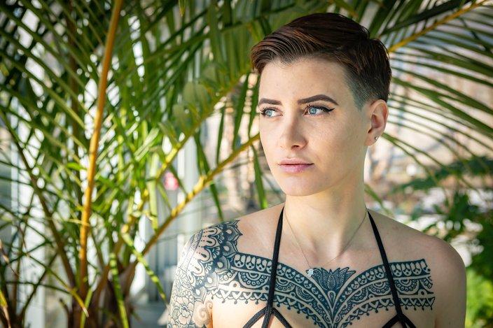 Carroll - Octavia Plach