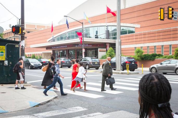黑人医生COVID-19联盟本周将在利亚库拉斯中心举办COVID-19疫苗诊所,上图为大流行前的情况。(photo:PhillyVoice)