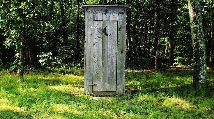 03132018_outhouse_Unsplash