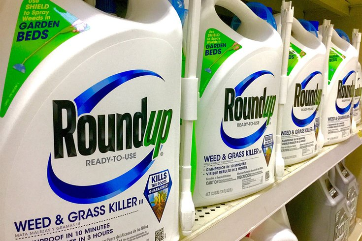 Popular weed killer's alleged link to cancer spreads concern