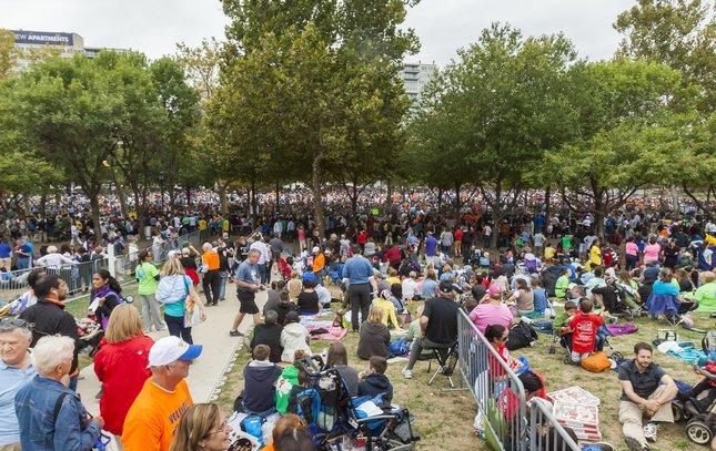 Carroll - Papal Visit Crowds