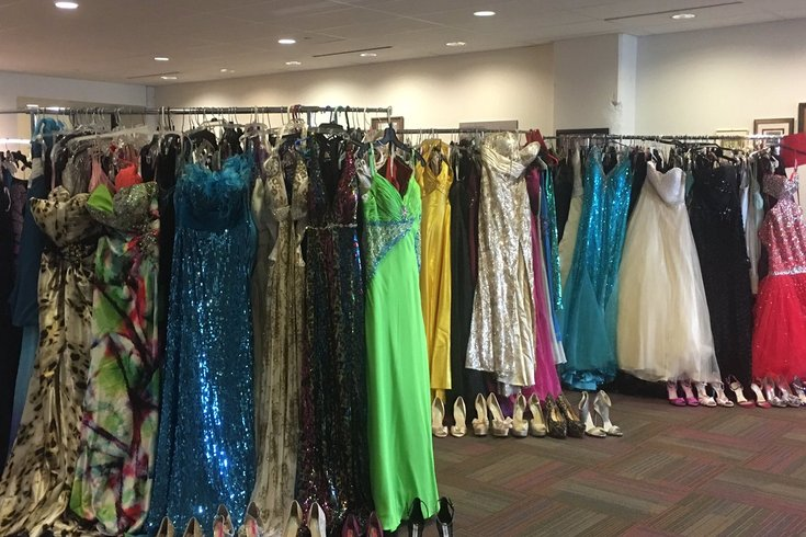 5199a471bc5 School District of Philadelphia giving away free prom dresses ...
