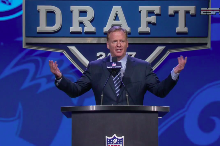 WATCH: Philly gives NFL commissioner Roger Goodell a very Philly ...