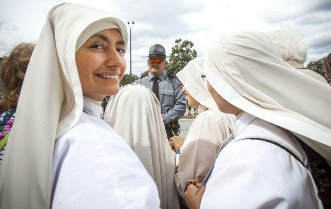 Carroll - Papal Visit Sisters