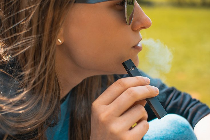 05312018_woman_vaping_Flickr