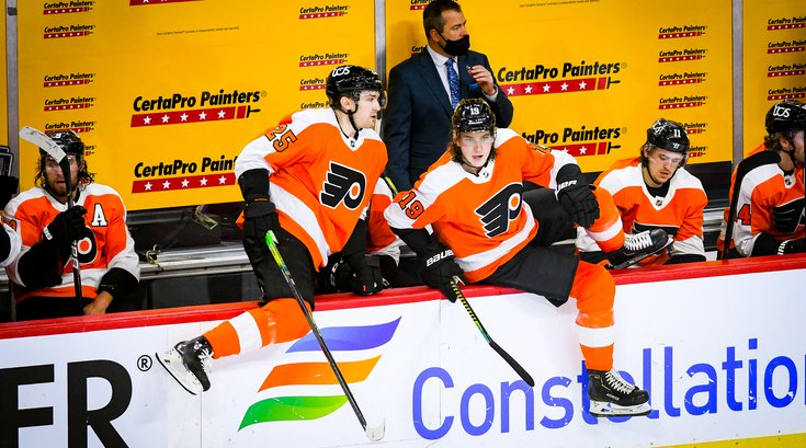 Flyers_Bench_James_van_Riemsdyk_Nolan_Patrick_01132021_Flyers_Pens_Frese.jpg
