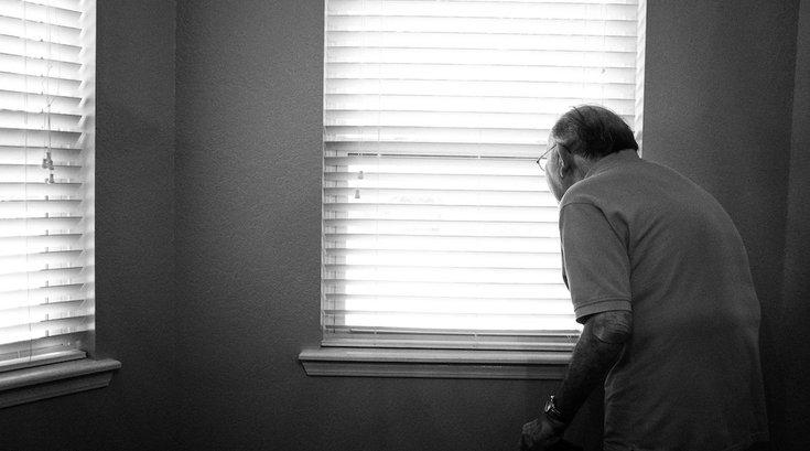 antidepressant increase risk of falls elderly