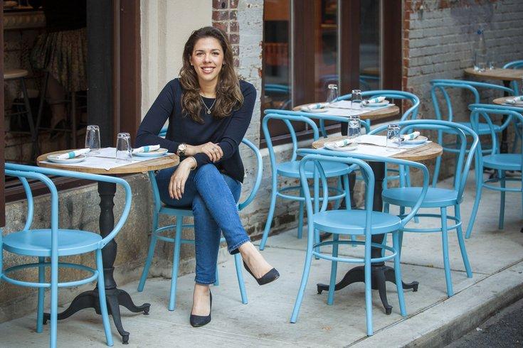 Carroll - Nicole Mrquis Bar Bombon