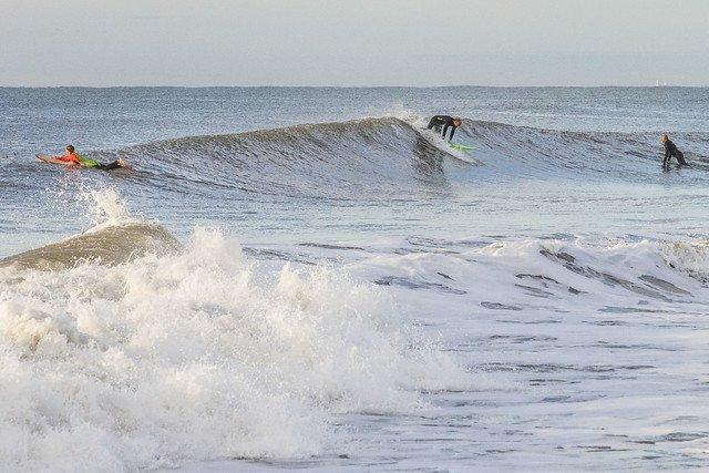 0827_Waves