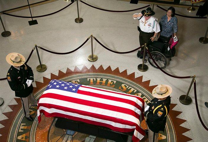 08292018_John_McCain_death_USAT