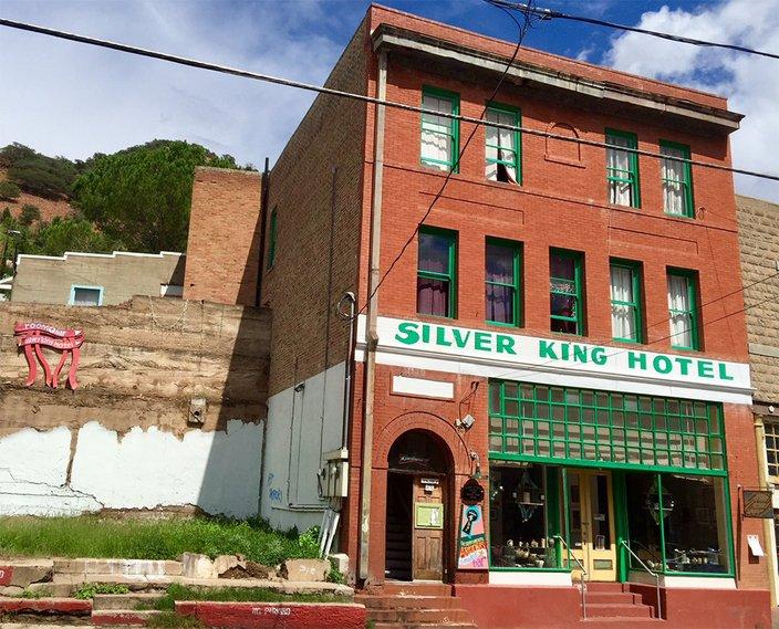 09042018_SilverKing_exterior