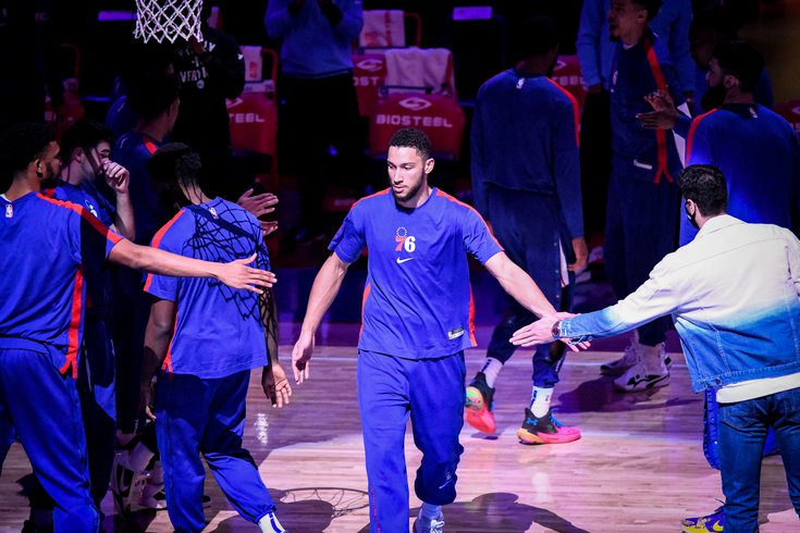 Ben_Simmons_intro_Hornets_Sixers_Frese.jpg