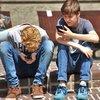 10022018_kids_cellphones_Pexels