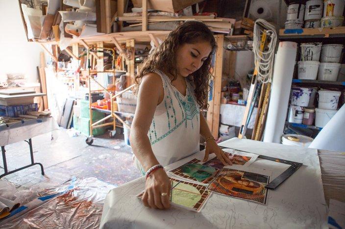 Gloria Casarez mural artist