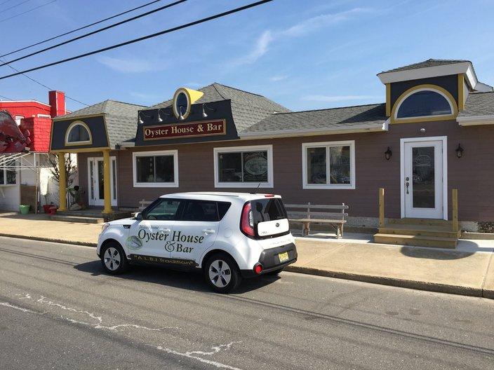 Delaware Ave Oyster House & Bar