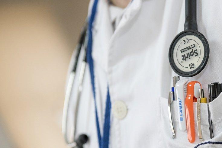 11262018_doctor_stethoscope_Pexels