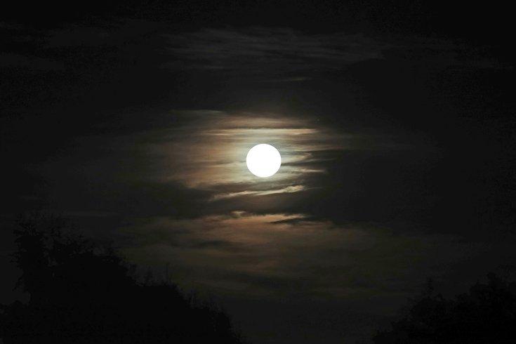 Full cold moon December