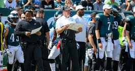 1430922_Eagles_Lions_Doug_Pederson_Kate_Frese.jpg