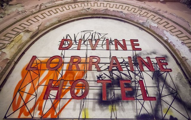Carroll - Inside the Divine Lorraine