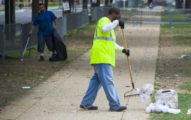 15-092815_Cleanup_Carroll.jpg