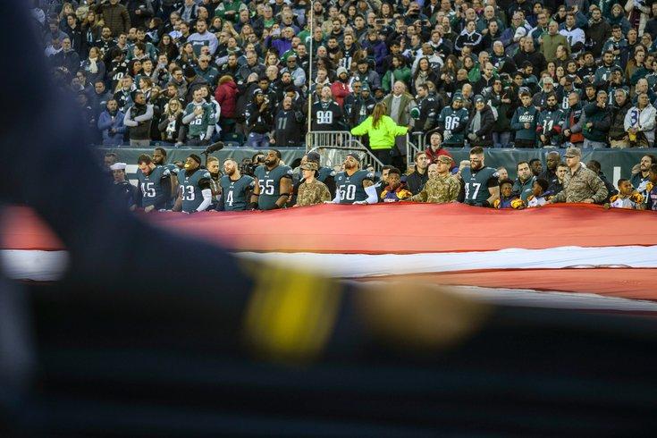 19_01052020_EaglesvsSeahawks_pregame_fans_flag_stadium_KateFrese.jpg