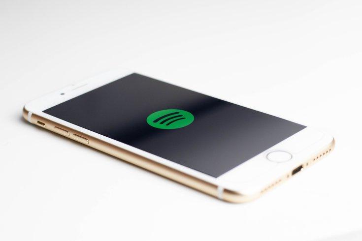 Spotify podcast playlists