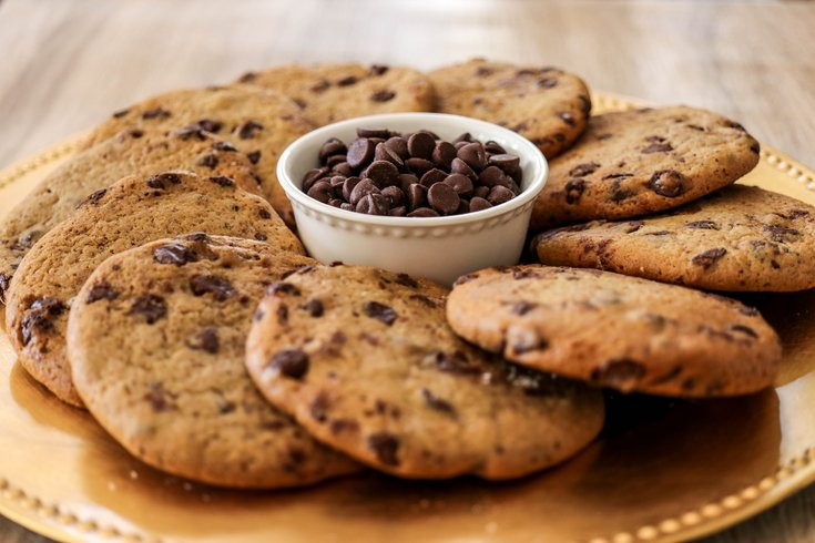 Famous 4th Street Cookie Co. giving out free chocolate chip cookies