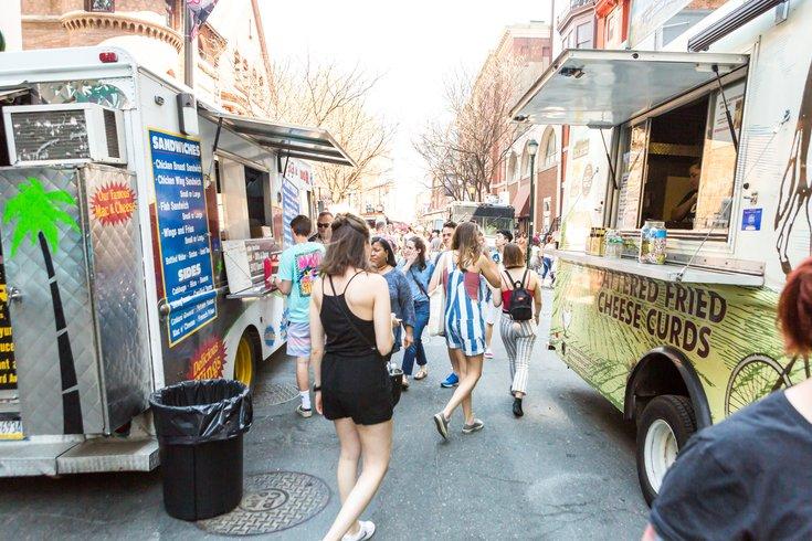 Stock_Carroll - Food Trucks in Center City
