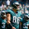 300922_Eagles_Lions_Zach_Ertz_Kate_Frese.jpg