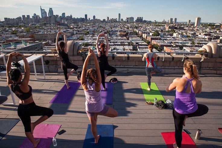 Rooftop Yoga Bok Bar