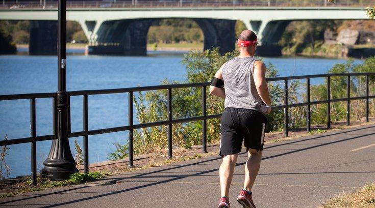Stock_Carroll - Running on Schuylkill River Trail