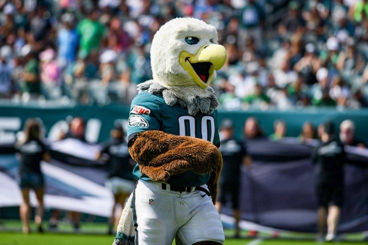 380922_Eagles_Lions_fans_mascot_Kate_Frese.jpg