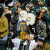 52_01052020_EaglesvsSeahawks_Eagles_fans_dog_masks_KateFrese.jpg