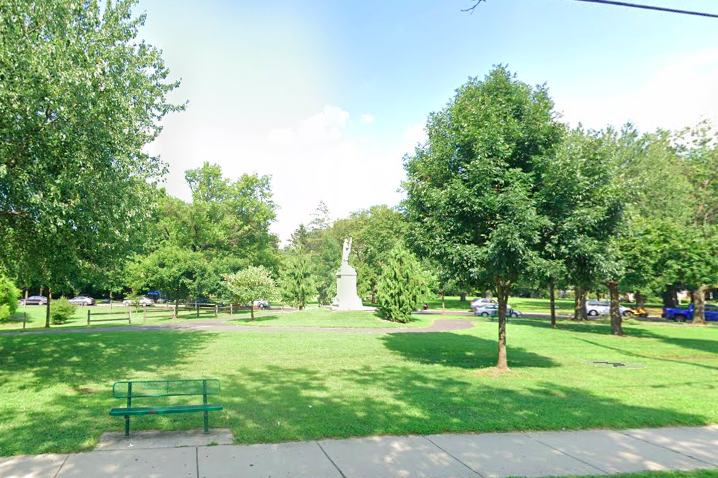 Camden Columbus statue