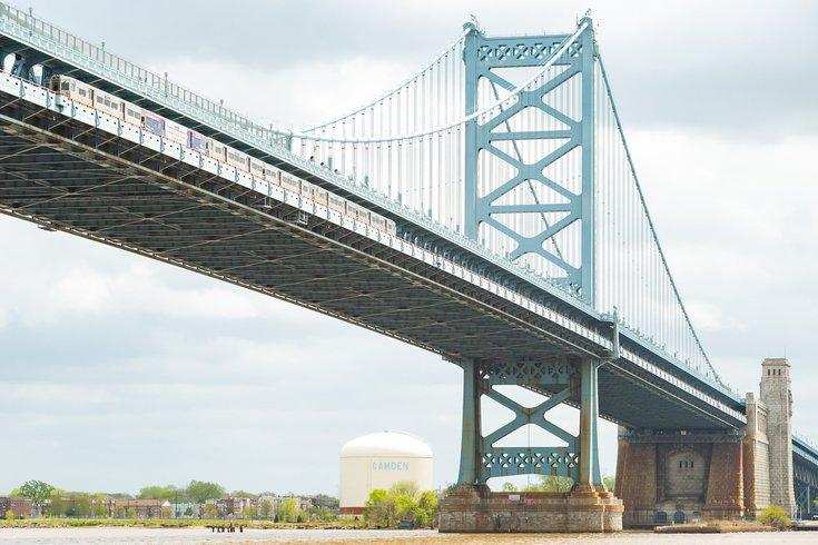 Ben Franklin Bridge south walkway open