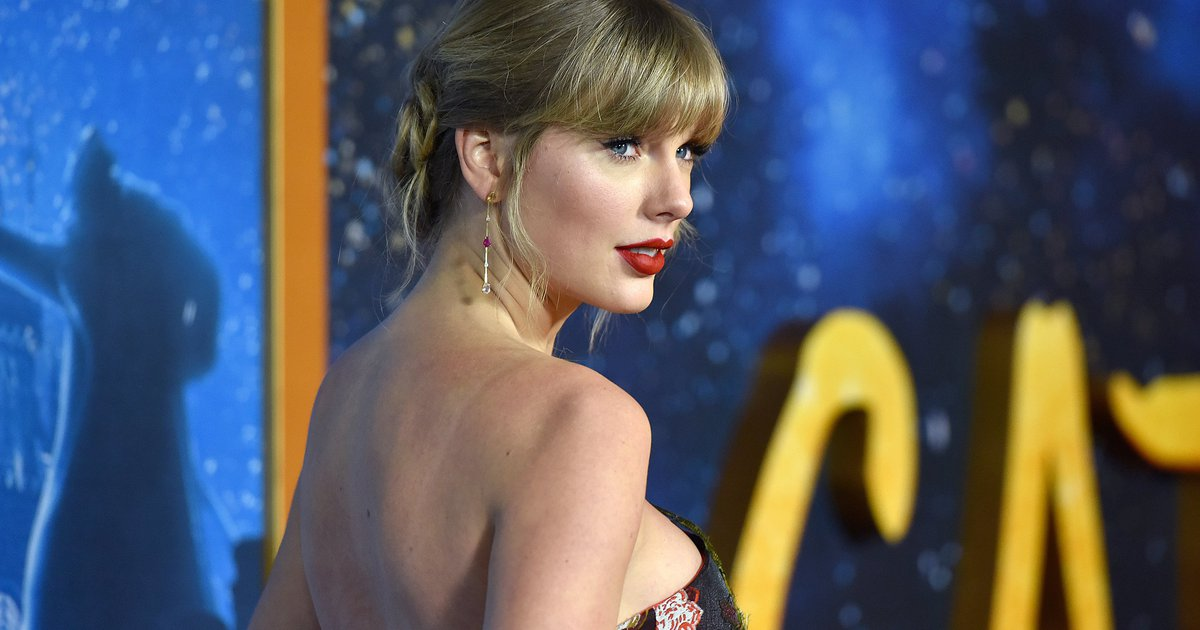 Taylor Swift Surprise Album Folklore Sells More Than 1 3 Million Records In 24 Hours Phillyvoice