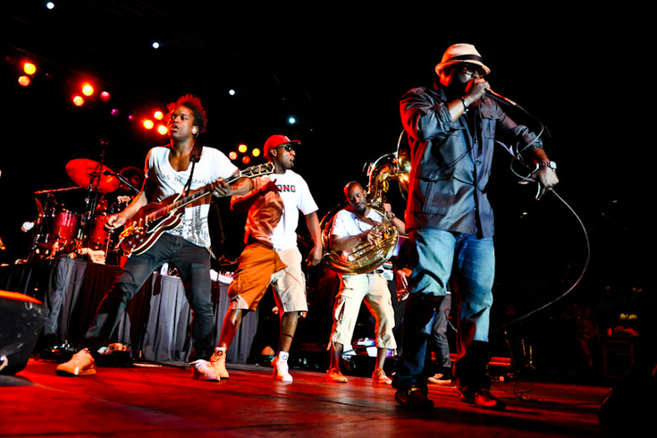 71121 The Roots tour.png