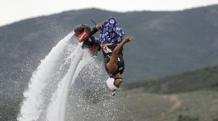 04132015_Flyboarding_AP