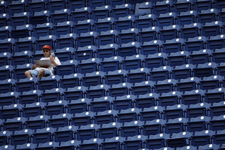 020315_Phillies-fan_AP