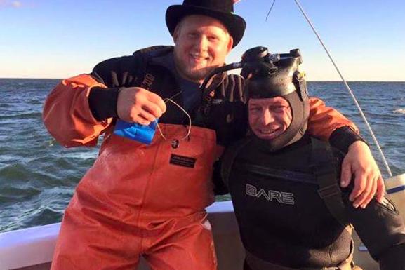 n j man recovers lost wedding ring from ocean floor