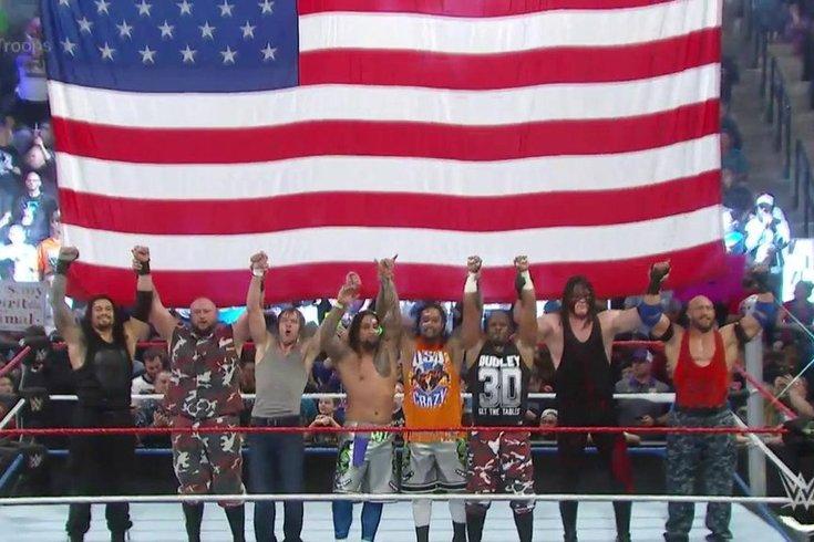 122415_tributetothetroops_WWE