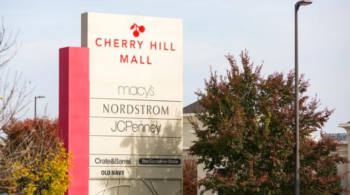 Cherry Hill Mall Xmas